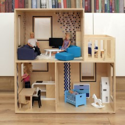 Dollhouse with flat roof...